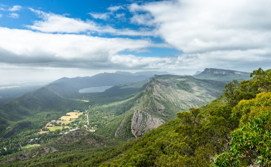 Enjoy the outdoor lifestyle with stunning scenery in the Grampians.
