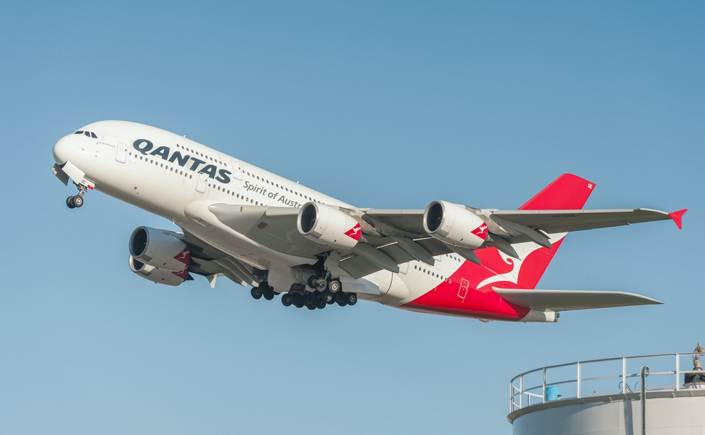 Qantas Airbus departs Heathrow for Australia. Should you move to Perth?