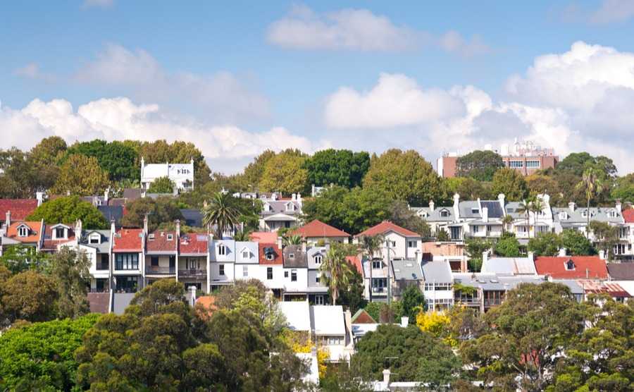 Sydney has a wide variety of housing stock to choose from if you're spending the British winter in Australia. Pick from Victorian terraces, modern homes or sleek apartments.