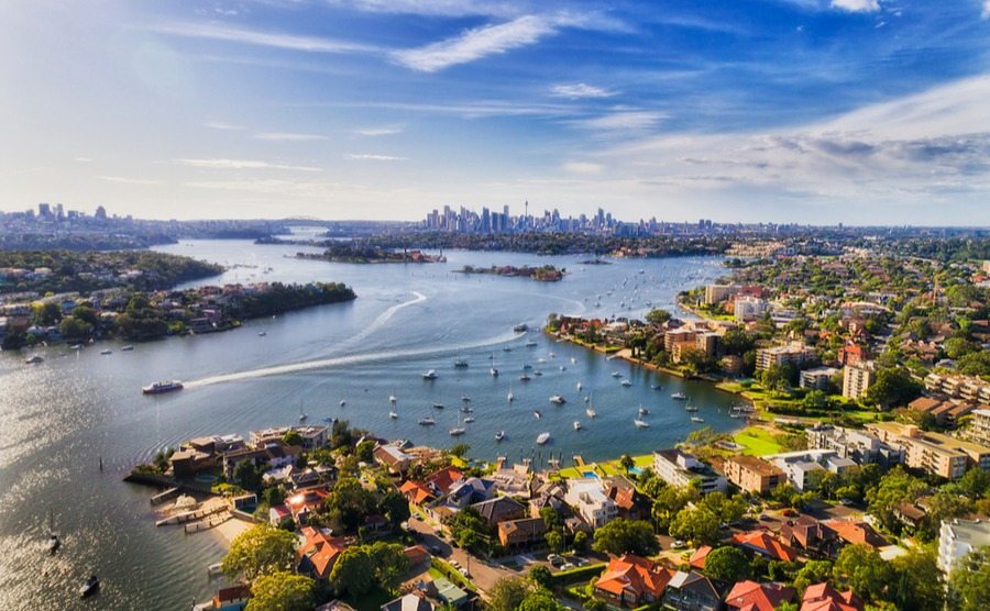 If you're renting out your property in Australia, you'll need to decide between a fixed-term and periodic tenancy.
