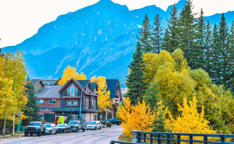 Canmore is surrounded by stunning scenery,, and is right on the doorstep of Banff National Park.