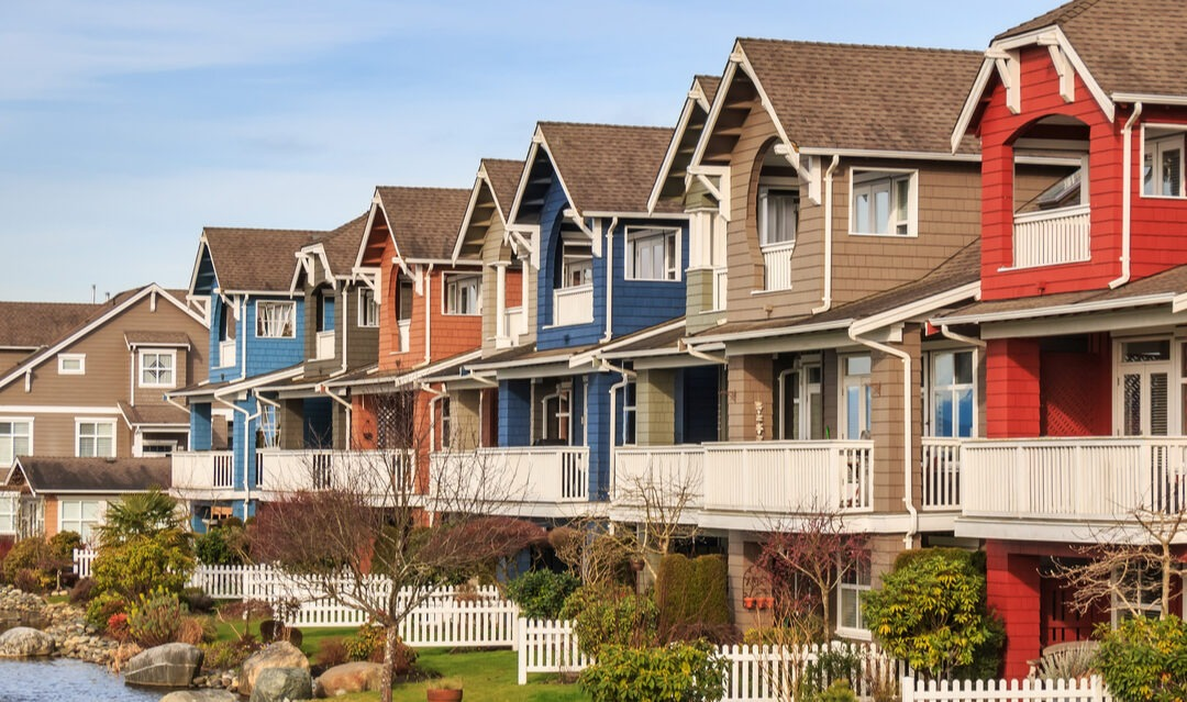 How does inheritance law work in Canada?