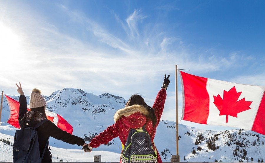 Your guide to settling into your new life in Canada