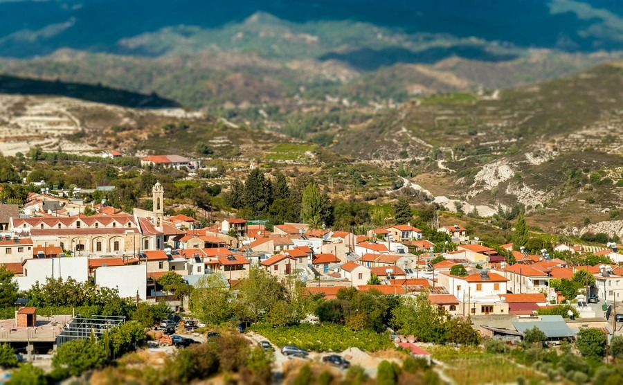 omodos-traditional-village-in-the-troodos-mountains-limassol-district-cyprus
