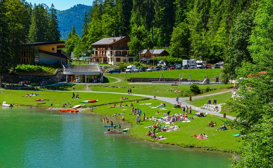 holiday home near lake france