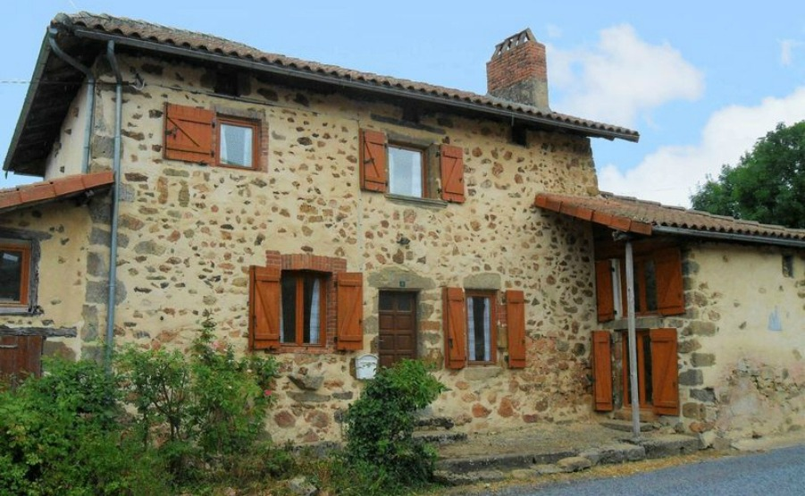 Has a book inspired you to move to the Limousin? Discover this property.