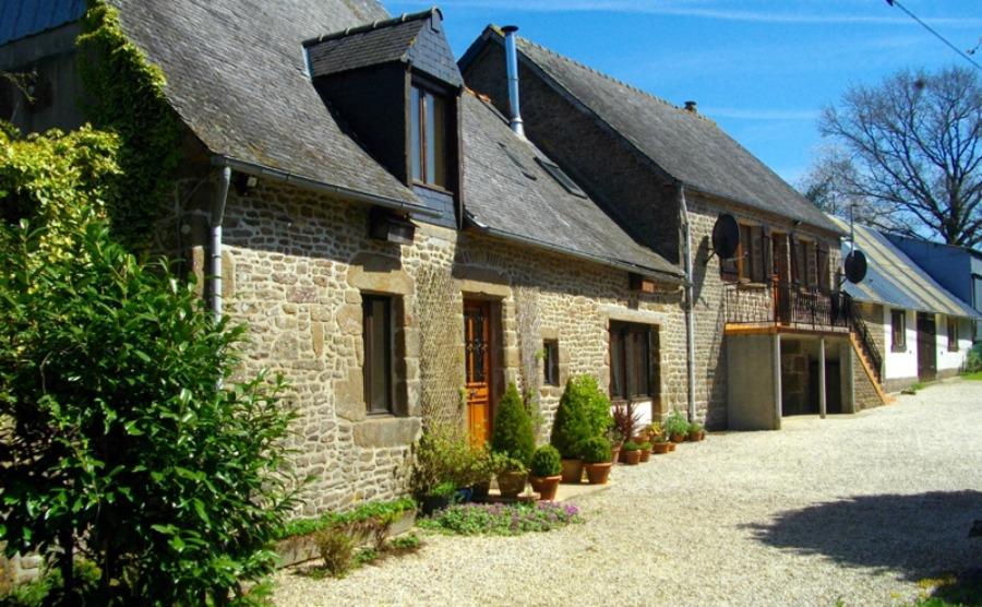 If you've been inspired by reading a book about the Loire, discover this property.