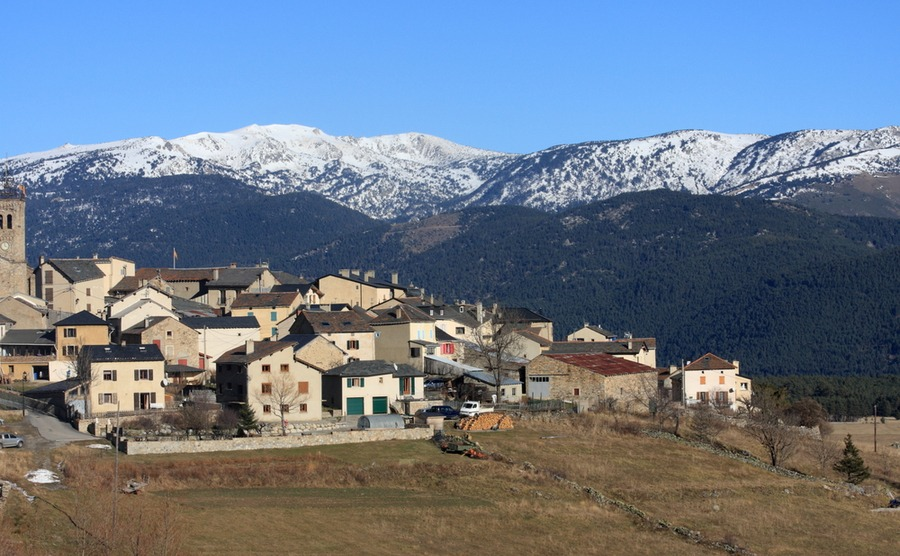 Les Angles is one of the best French ski resorts in the Pyrenees,.