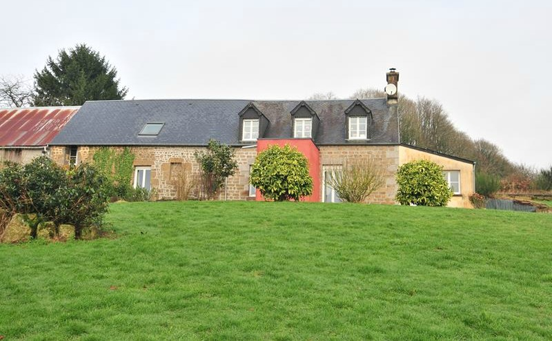 Bargain rural property with almost 10 acres in rural Manche
