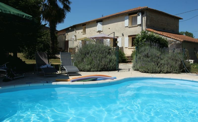 Check out this beautiful detached house in the Charente, with its own swimming pool, for €222,000.