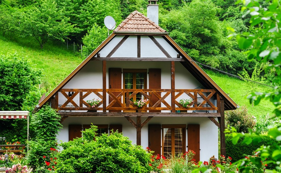 typical-alsacien-house-in-small-village-bas-rhin-france-tourism-and-travel-concept