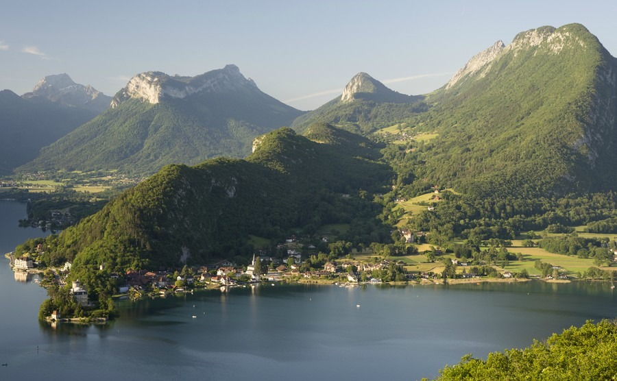 Dip your toe into France's lakeside lifestyle