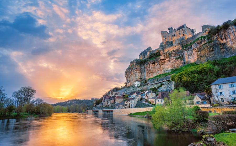 5 fabulous Dordogne villages with a buzz