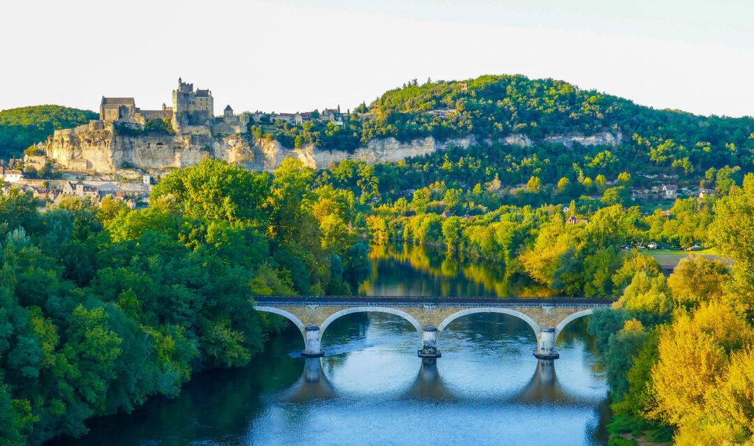 5 fabulous Dordogne villages with a buzz