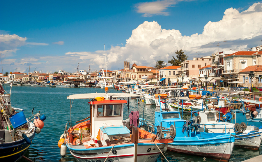 If you're looking where to buy in Greece and you want proximity to Athens but also the island lifestyle, the Argo-Saronic Islands are the place for you!