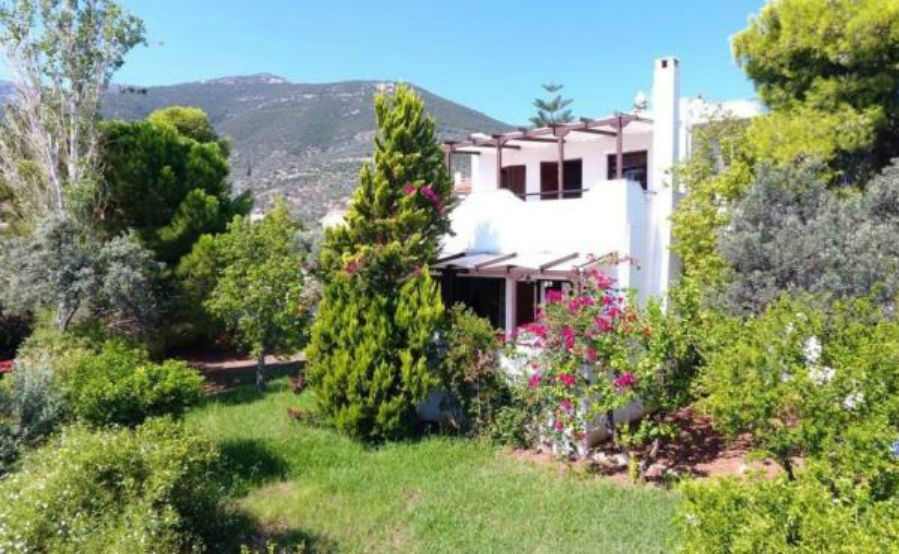 Houses in Greece for €250,000 – a property in the Peloponnese