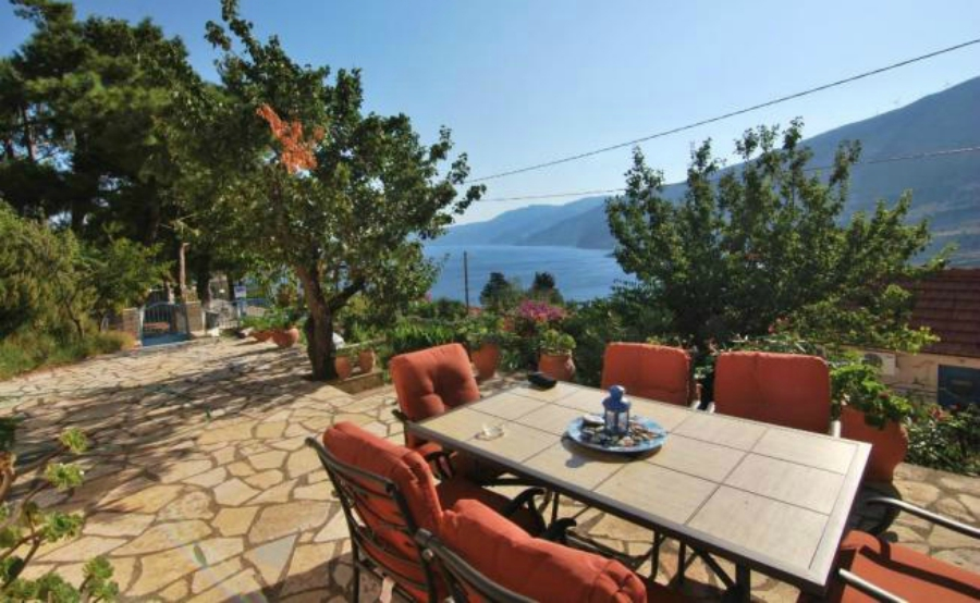 Houses in Greece for €250,000 – a beautiful home in Kefalonia