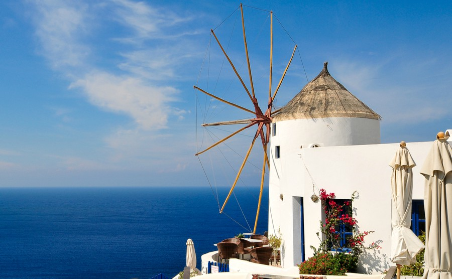 old-windmill-in-santorini-overlooking-the-sea
