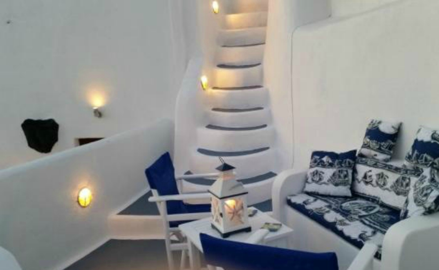 Affordable homes under €150,000. Click on the image to view this Santorini property under €150,000.