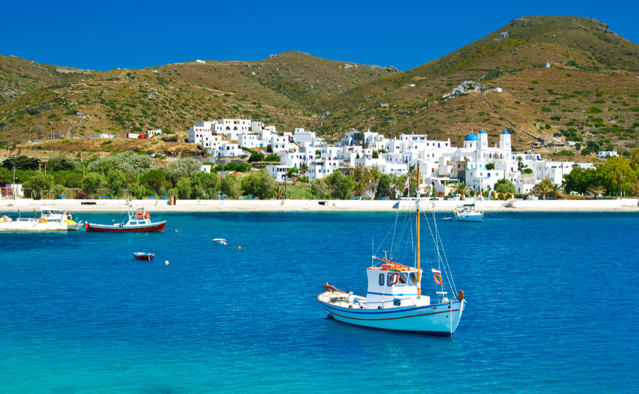 Schinoussa is one of the best places in the Aegean for yachting.