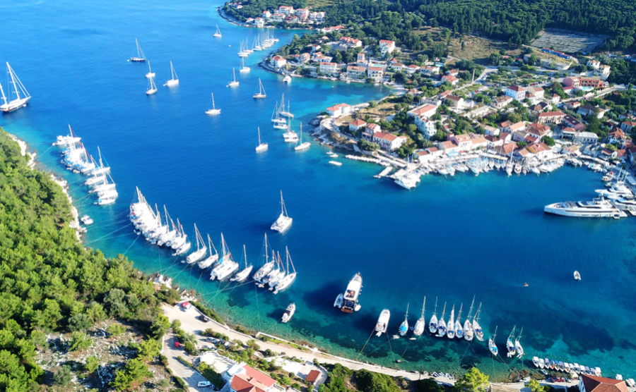 Fiskardo is incredibly popular with both tourists and expats looking to buy property in Kefalonia. It's small but lively, with plenty to do.