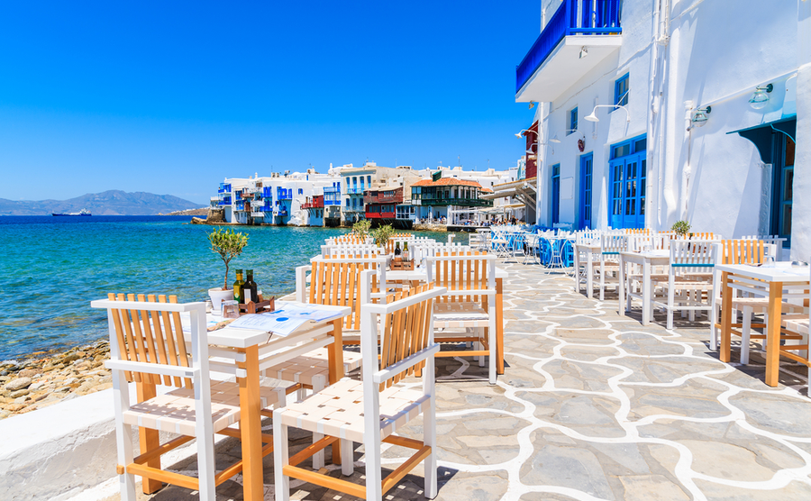 empty nesters in Greece