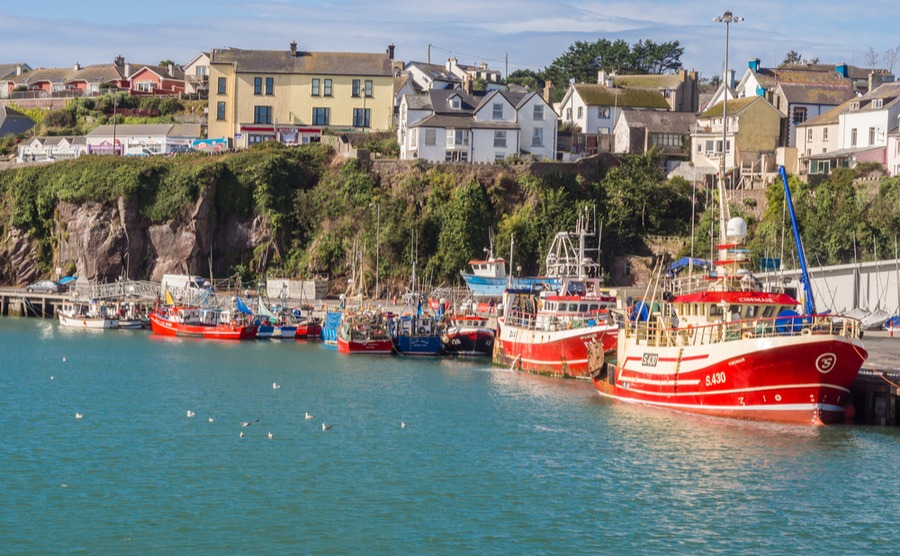 Enjoy sailing, country walks and golf in Dunmore East. Sue Burton Photography Ltd / Shutterstock.com