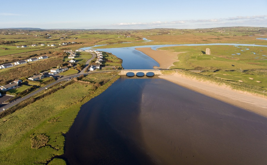 Lahinch is known for its beautiful river beach.