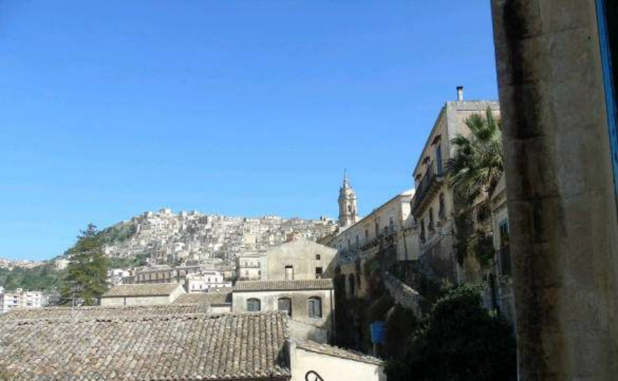 Click on the image to view this two-bedroom home in Modica for €65,000.