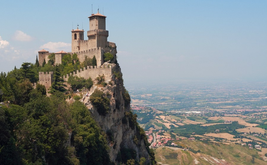 Castles for sale in Italy