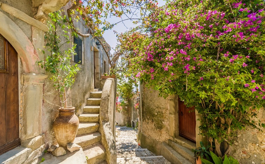 Pin It On Pinterest Italy Property Guides