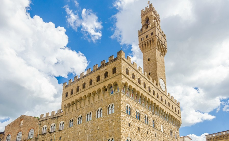 fragment-of-the-old-palace-palazzo-vecchio-or-palazzo-della-signoria-in-florence-italy