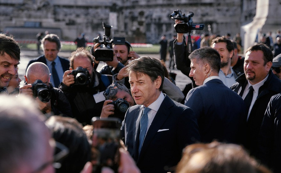 Italian politics can be hard to keep up with. Alberto Zanardo / Shutterstock.com
