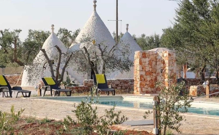 Renovating your home, like this totally restored trulli in Ostuni, Brindisi can be so rewarding. Click on the image to view the property.