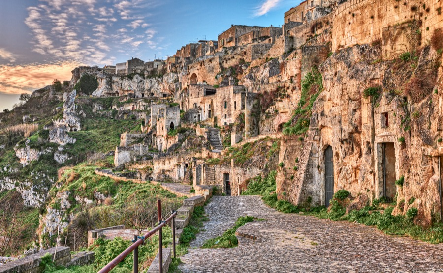 Italy's tourist sites continue to attract record numbers of visitors.