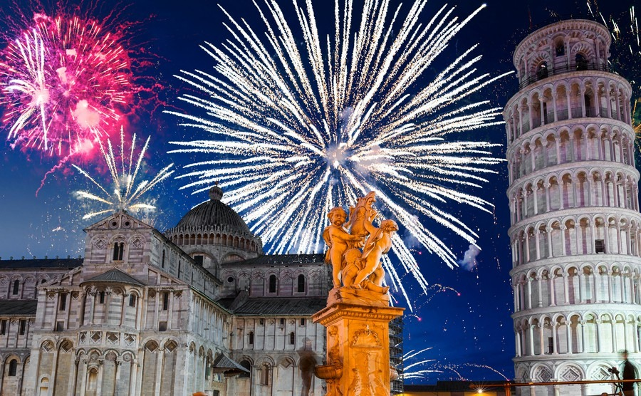 new-years-firework-display-in-pisa-italy