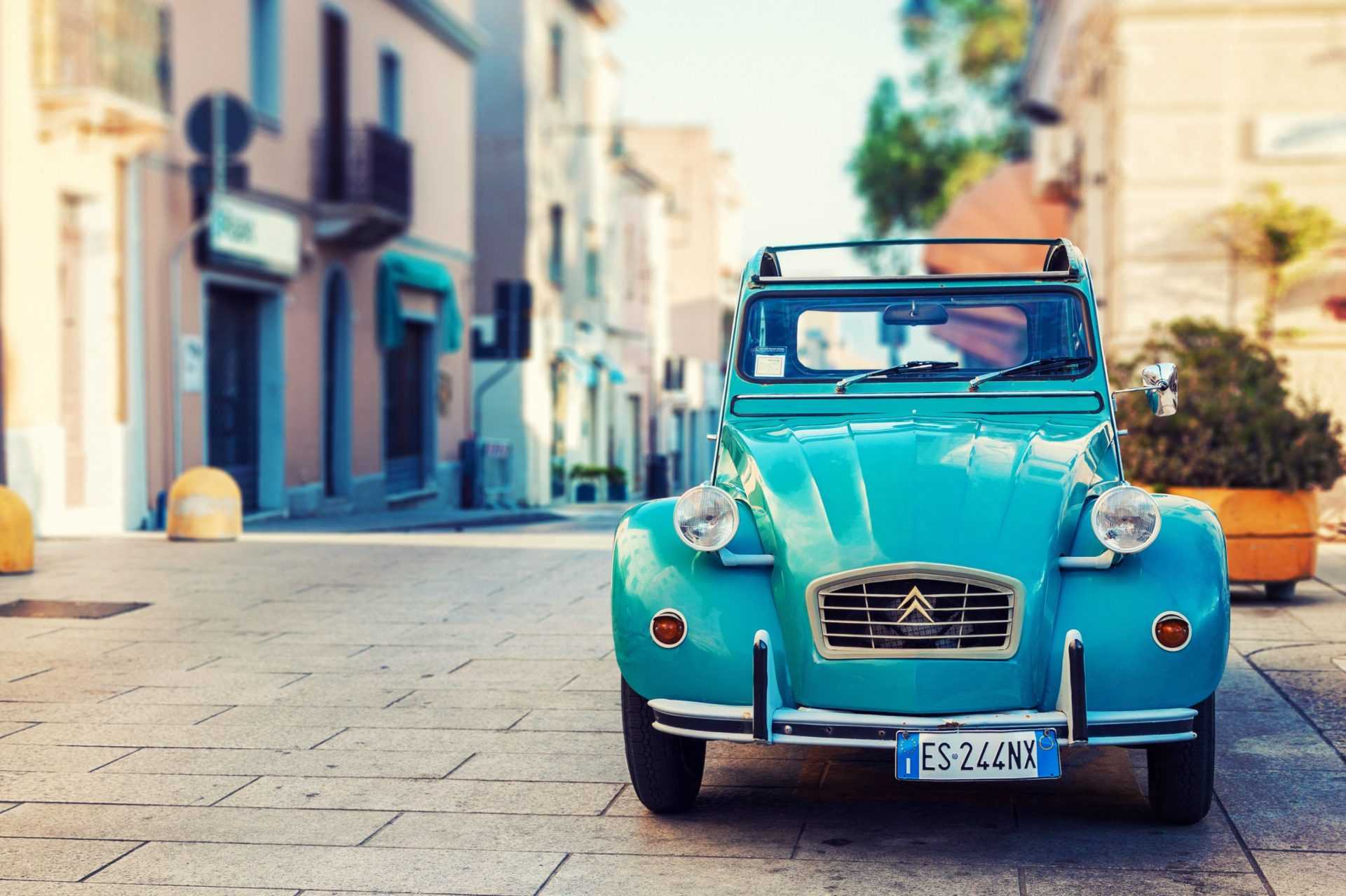 Registering and owning a car in Italy (and driving it!)