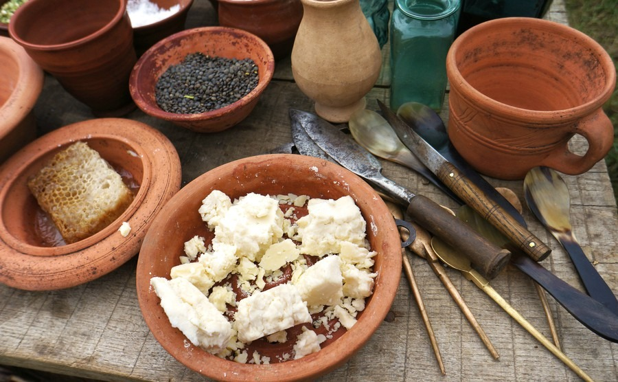 How to eat like a roman italy property guides for Ancient roman cuisine