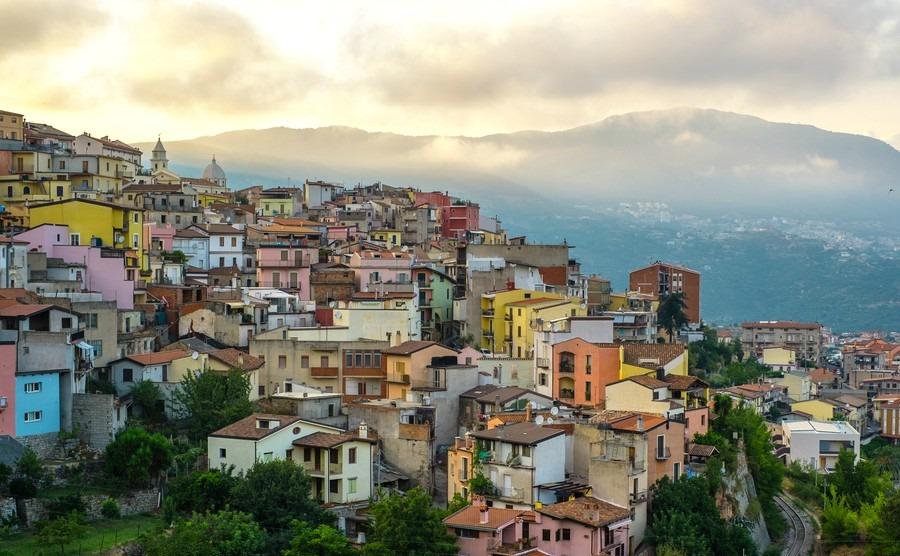 €1 Italian homes