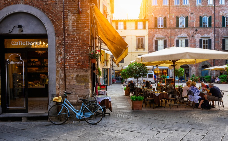 Discover the key players who will help you buy. How to buy in Italy.