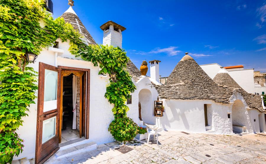 Trullo holiday home in Puglia