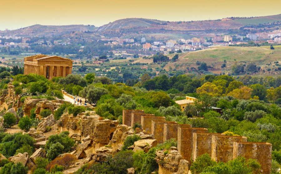 This part of the route goes from the Valley of the Temples up to Agrigento.
