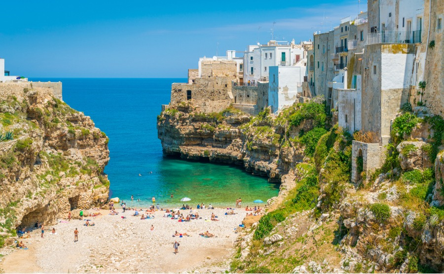 Apulia or Puglia is full of gorgeous towns and villages with beautiful period properties. Here is Polignano a Mare, halfway between Bari and Brindisi.