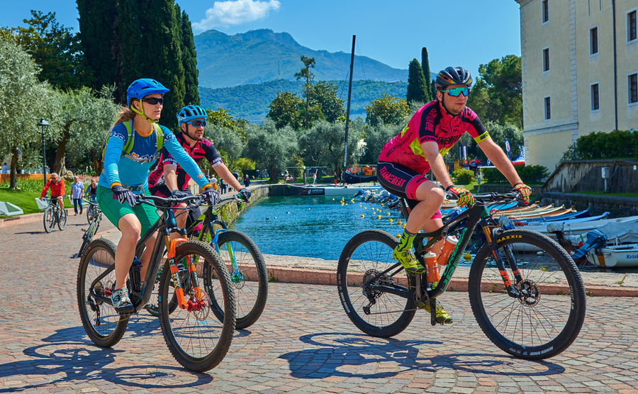 Your healthy lifestyle on the banks of Italy's Lakes
