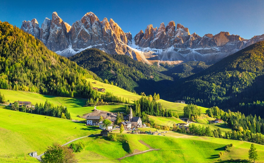 A place with the view of the Italian mountains