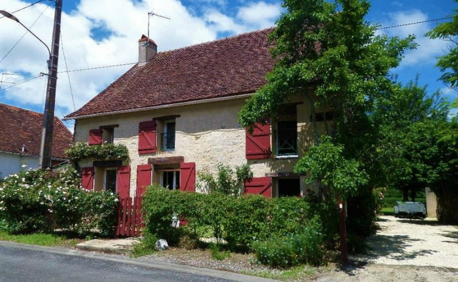Charming character home near between Poitiers and Châteauroux, €129,600