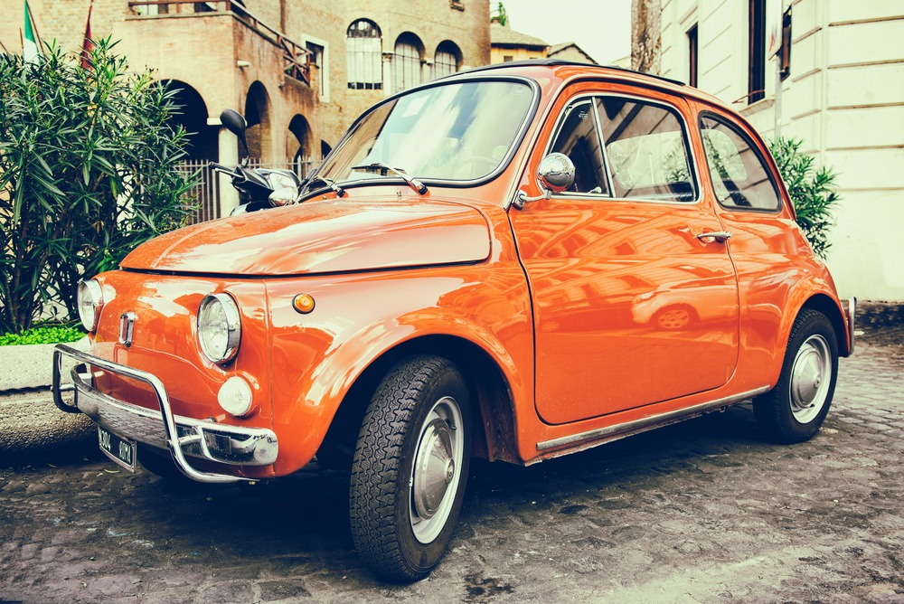 Cars in Rome - The Fiat 500