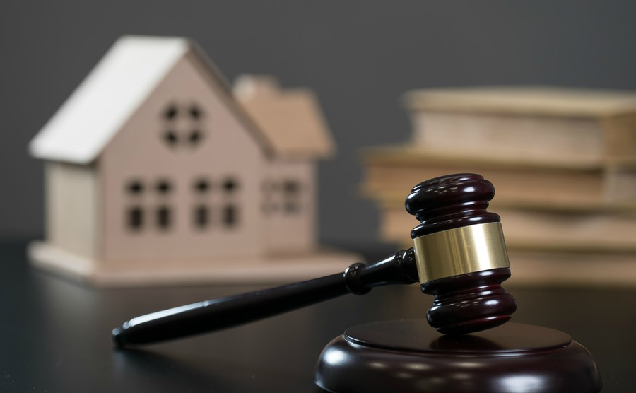 Five reasons to get a lawyer before looking for property