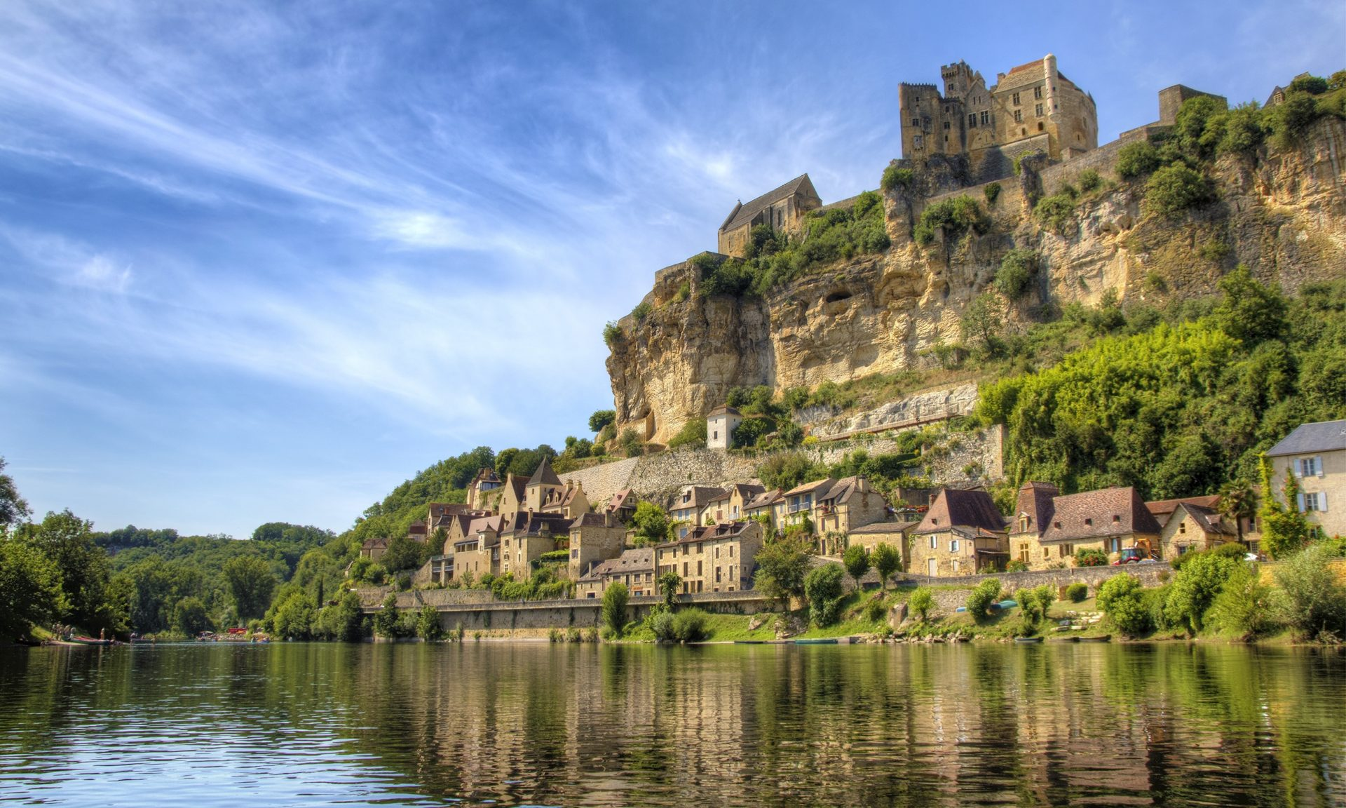 There are some stunning villages in Dordogne.