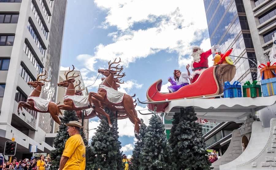 Auckland's November Santa Parade is one of the biggest in the country. Natalia Ramirez Roman / Shutterstock.com